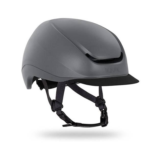 Urban bike helmet with detachable peak and scratch resistant shell - MOEBIUS